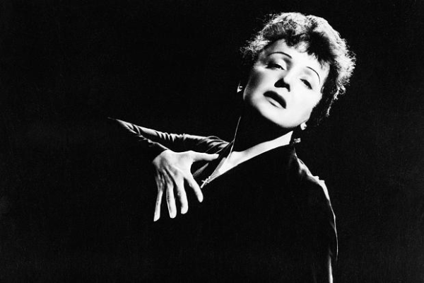 Edith Piaf refused to break the dusky look.