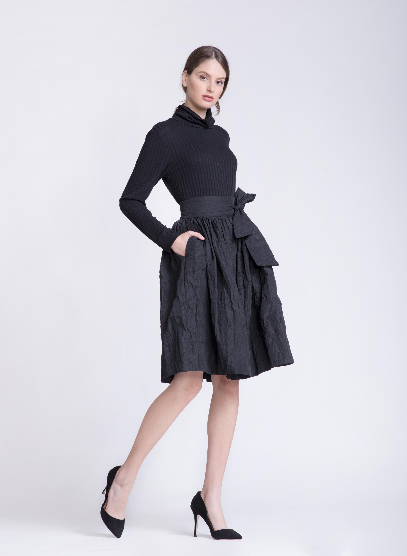 חצאית ROMY | שחור | PreOrder